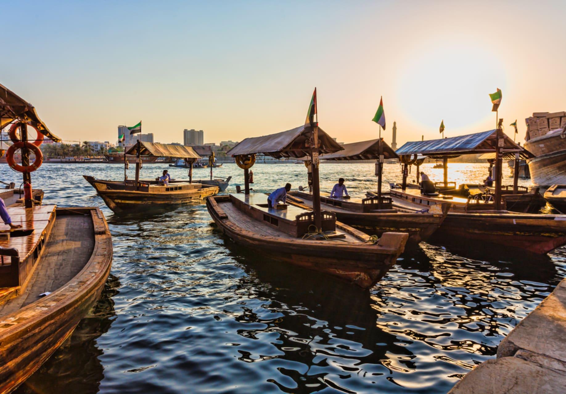 Dubai - Abra Crossing and Walk Through Alseef Heritage City