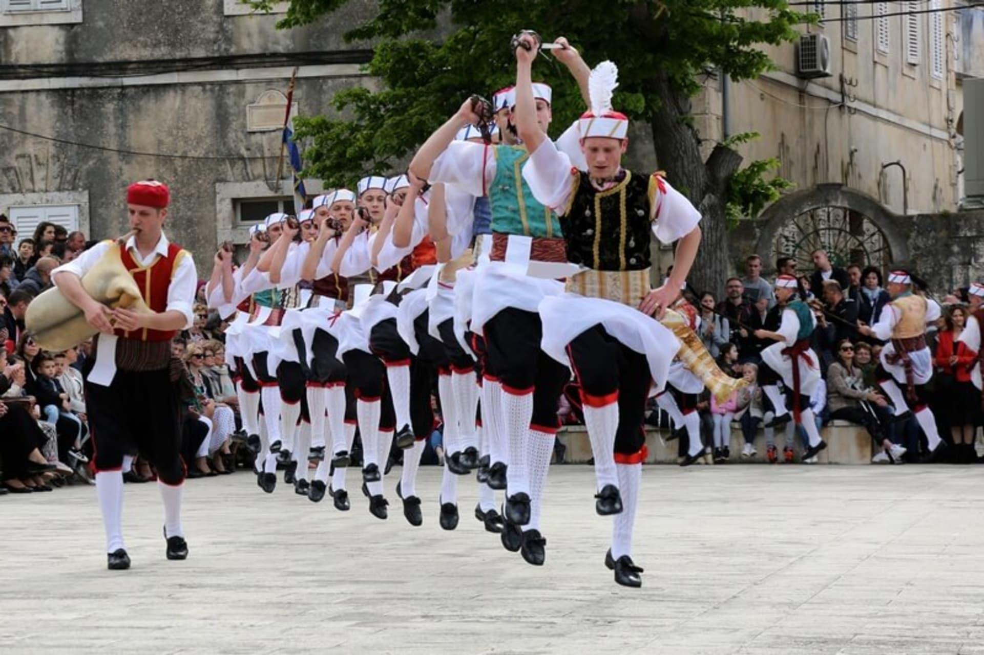 Korcula - Kumpanija Sword Dance