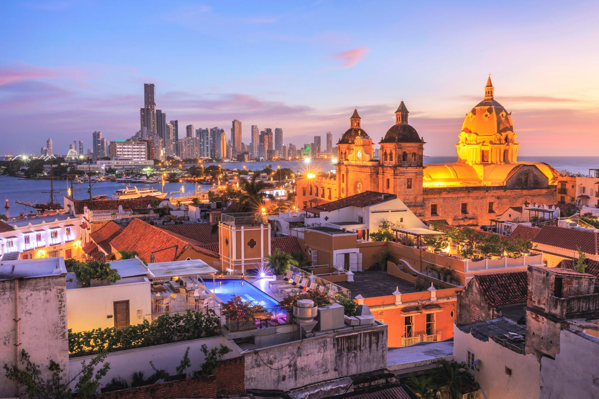 Cartagena - Night Life in Cartagena Colombia