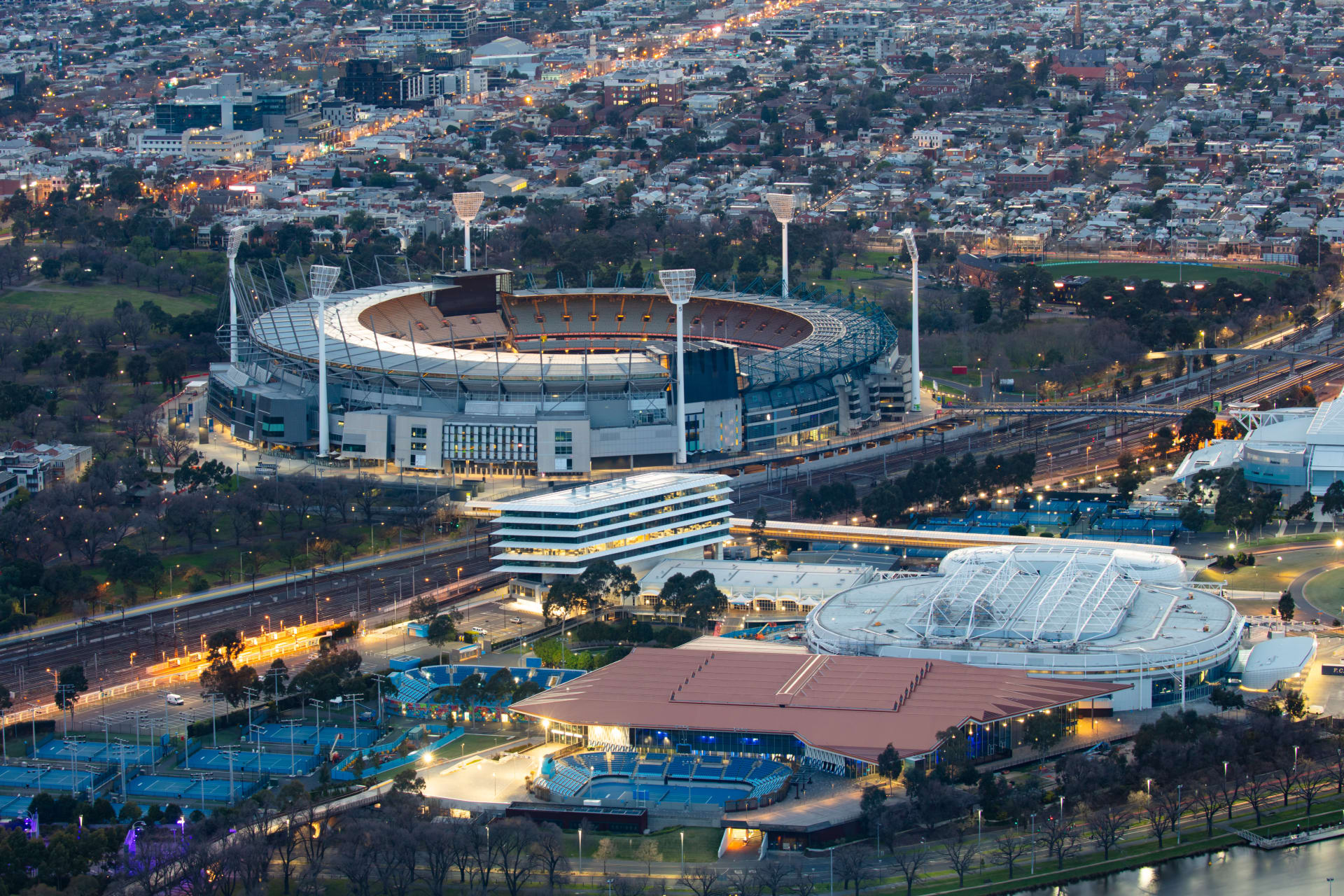 Melbourne - Sports Down Under: An Introduction to the Sports Capital of the World