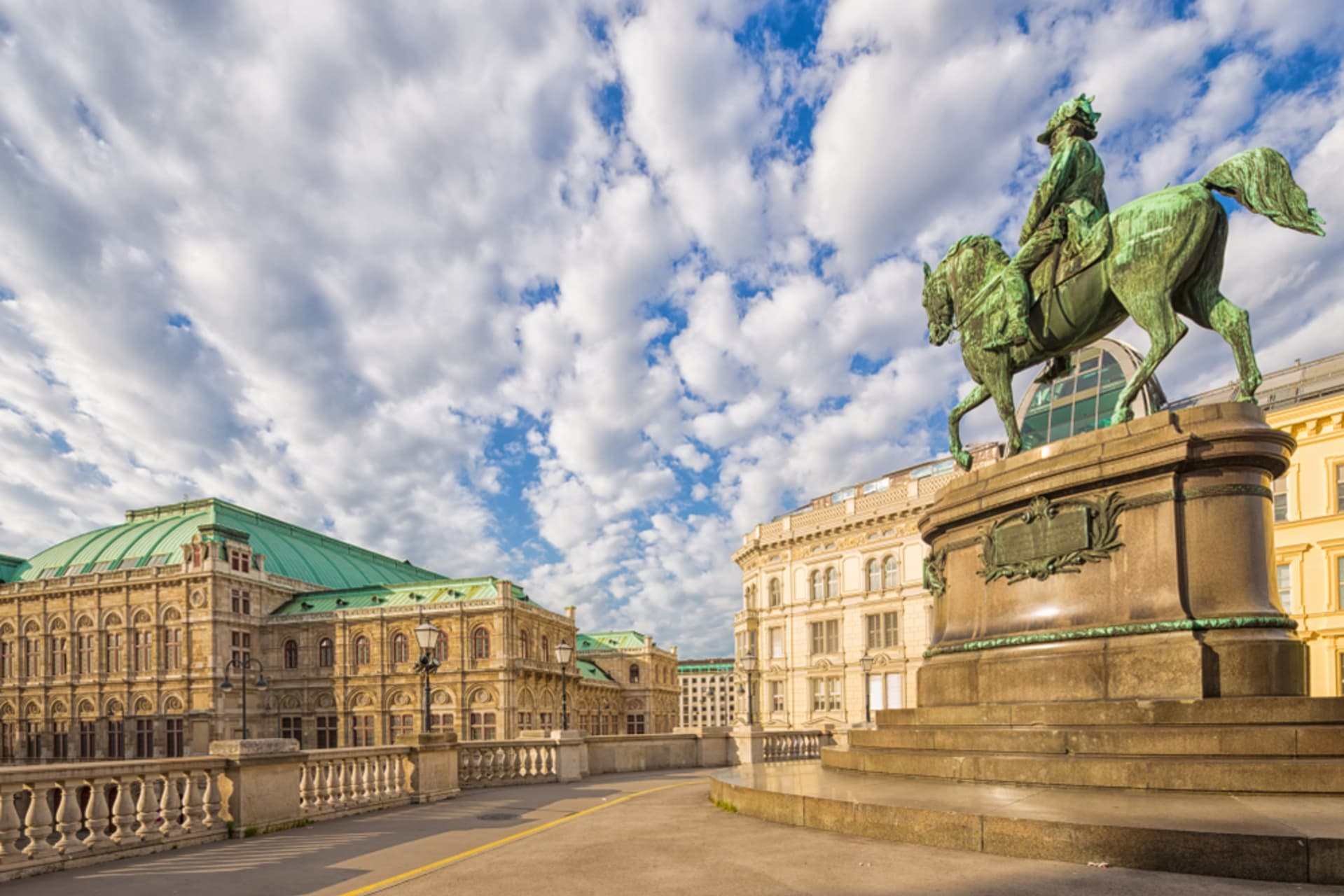 Vienna - Walking with the Habsburgs - From the Winter Palace to the Opera House
