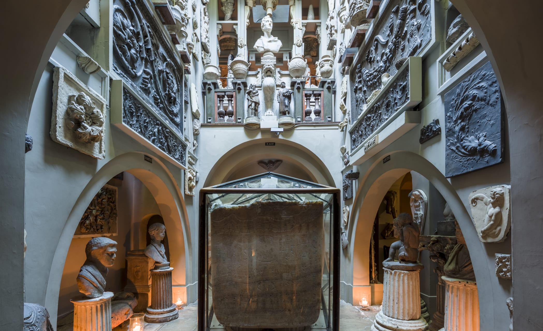 London - Sir John Soane's Museum - Step inside this architectural marvel in the heart of central London