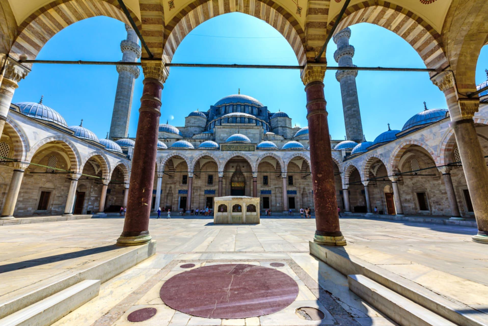 Istanbul - Suleymaniye Mosque complex & Grand Bazaar
