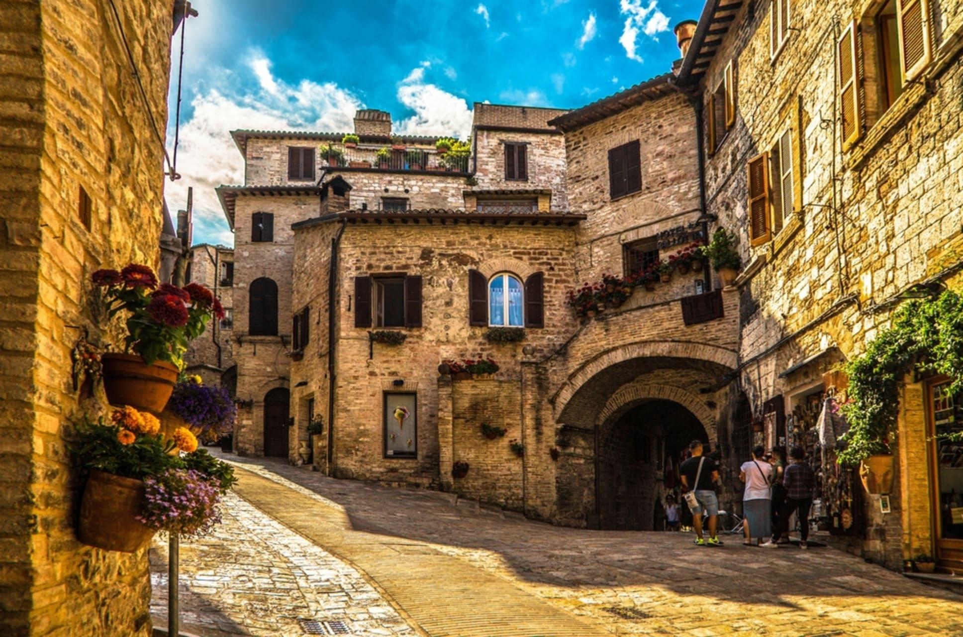 Assisi - Assisi 1- Saints, Pilgrims and a Roman Temple