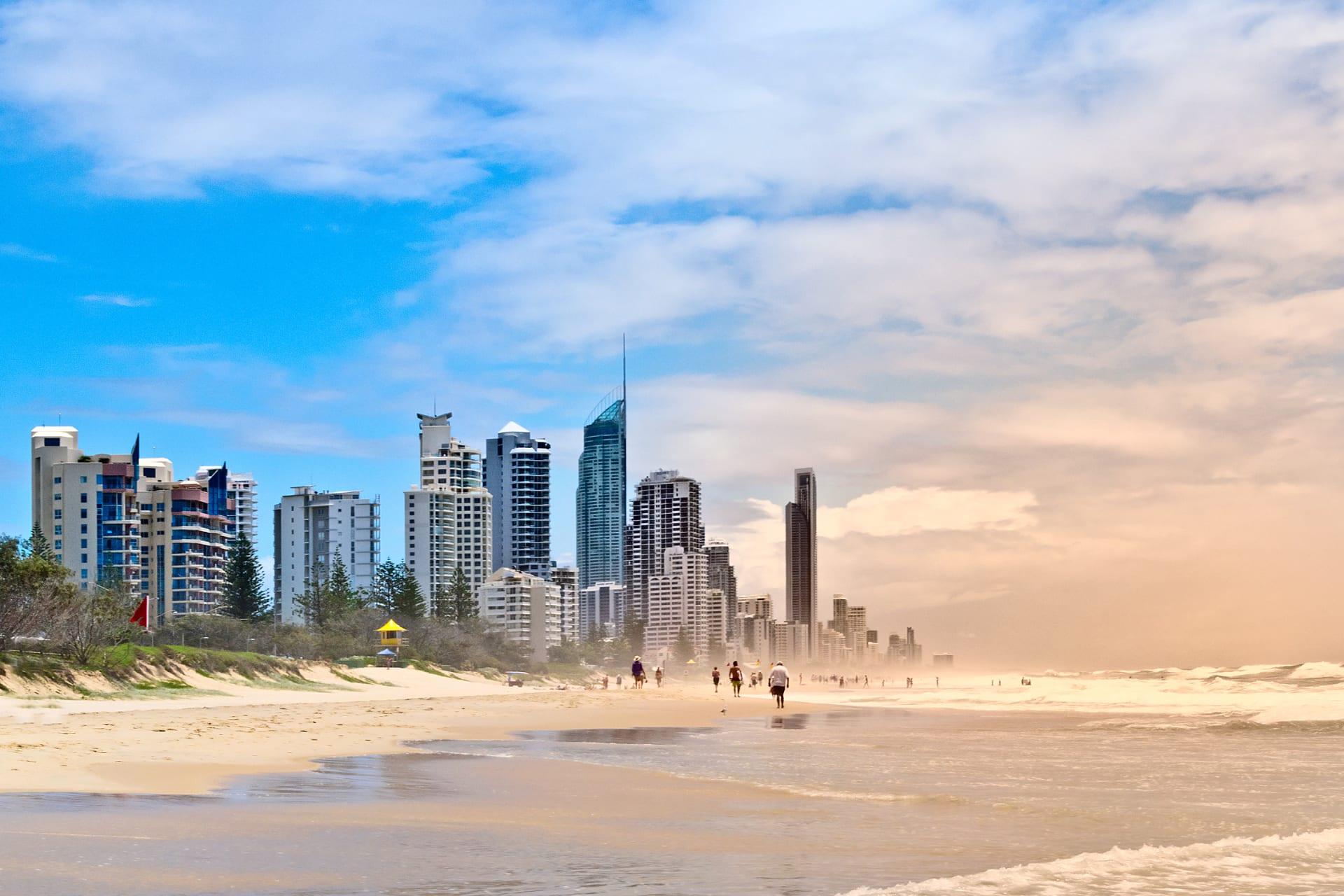Queensland - The Golden Sands of Southport