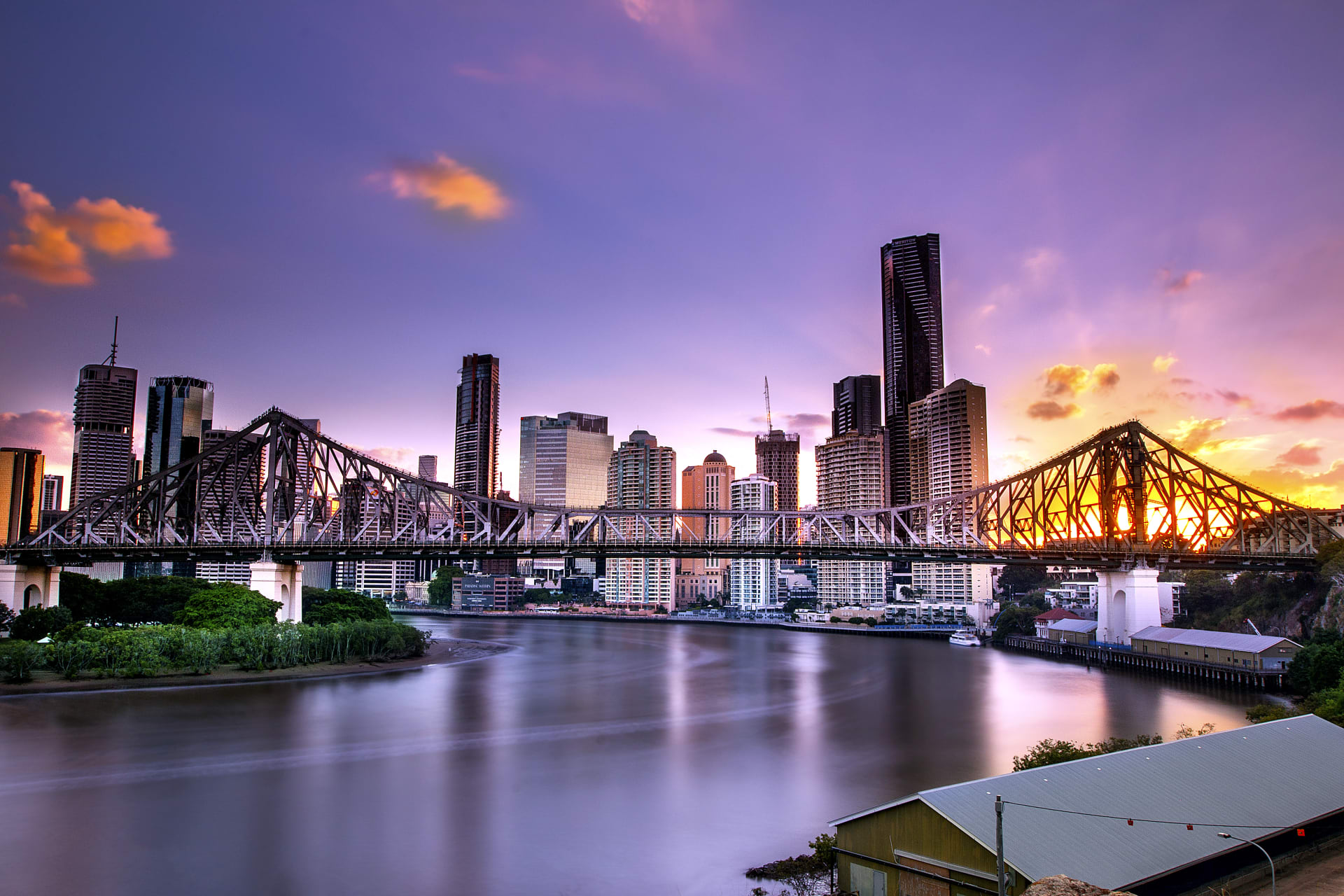 Brisbane - The Story Bridge: Brisbane's iconic bridge