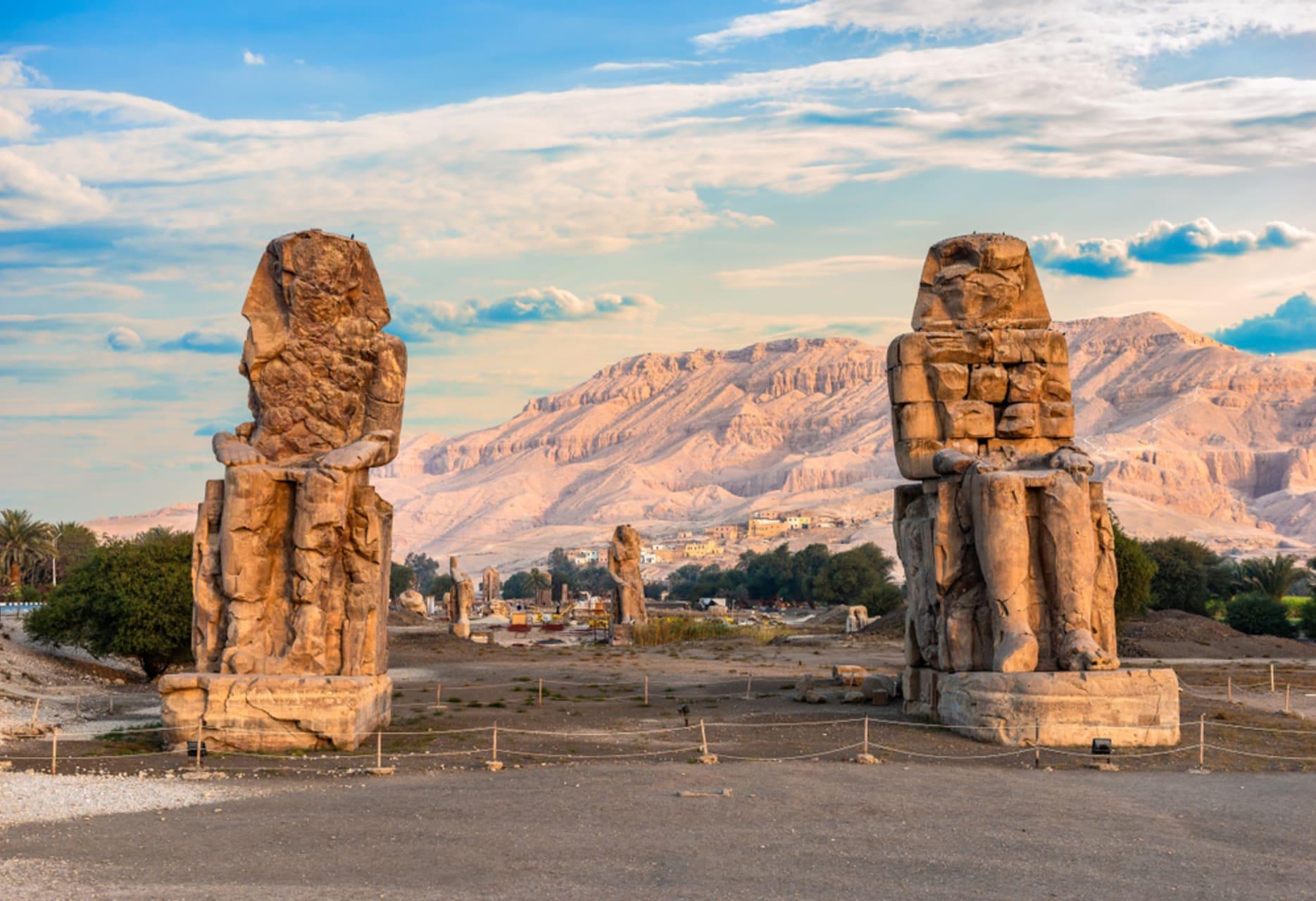Luxor - The Road To Memnon