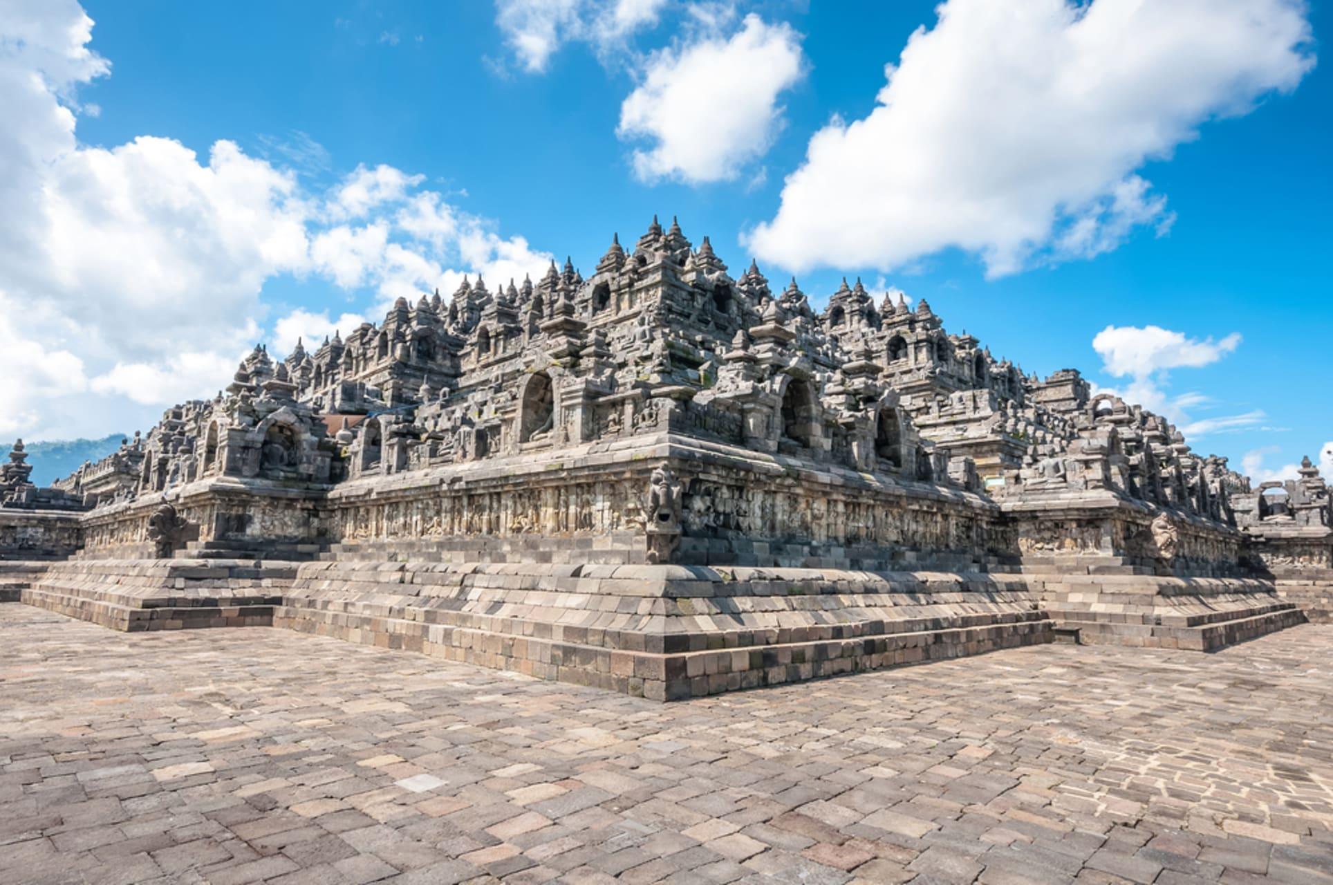 Yogyakarta - UNESCO World Heritage - Borobudur Temple: the Golden Paths of the Buddha