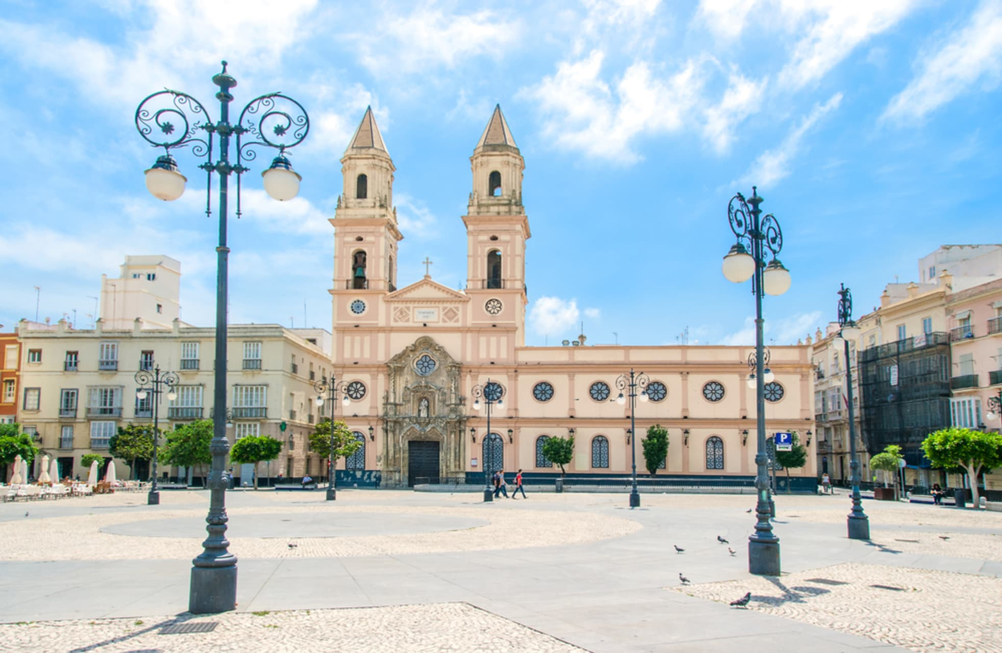 Cádiz - The Magic of the squares and streets of the Oldest city in Europe