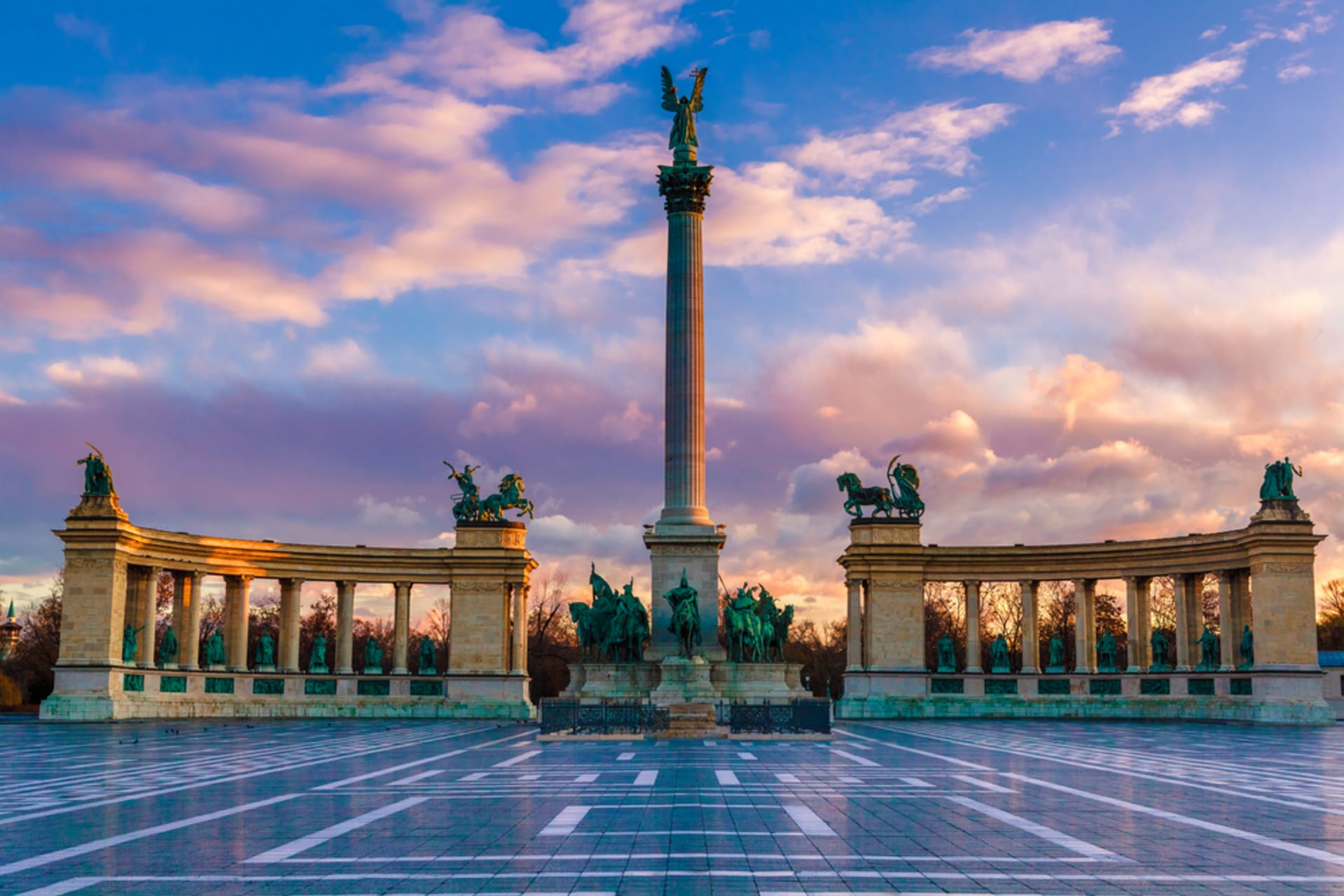 Budapest - Heroes' Square and the Vajdahunyad Castle