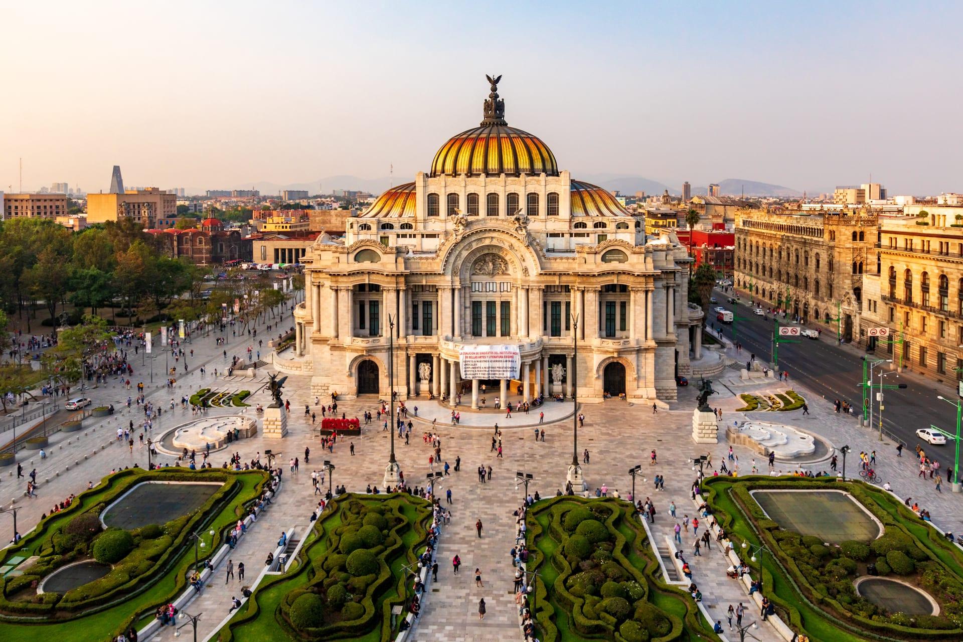 Mexico City - A Colombiana Visiting México - Delight Visual Tour