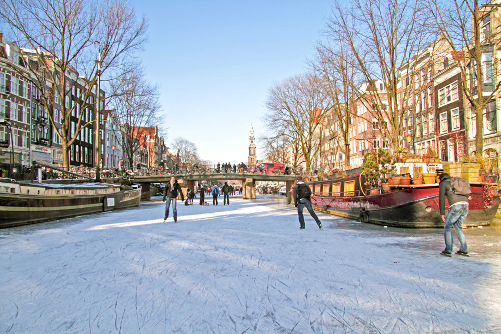 Amsterdam - Iceskating on the canals of Amsterdam