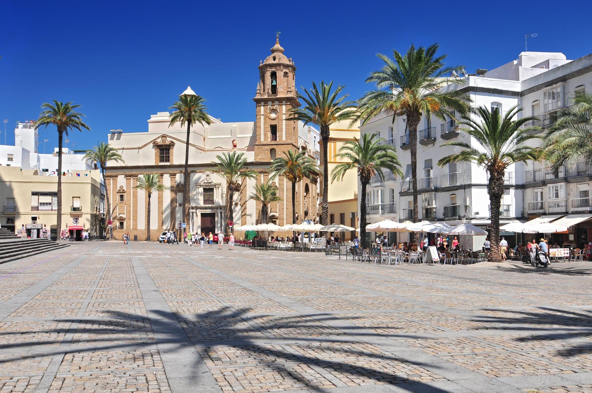 Cádiz - Cádiz: History, Carnival and Humour