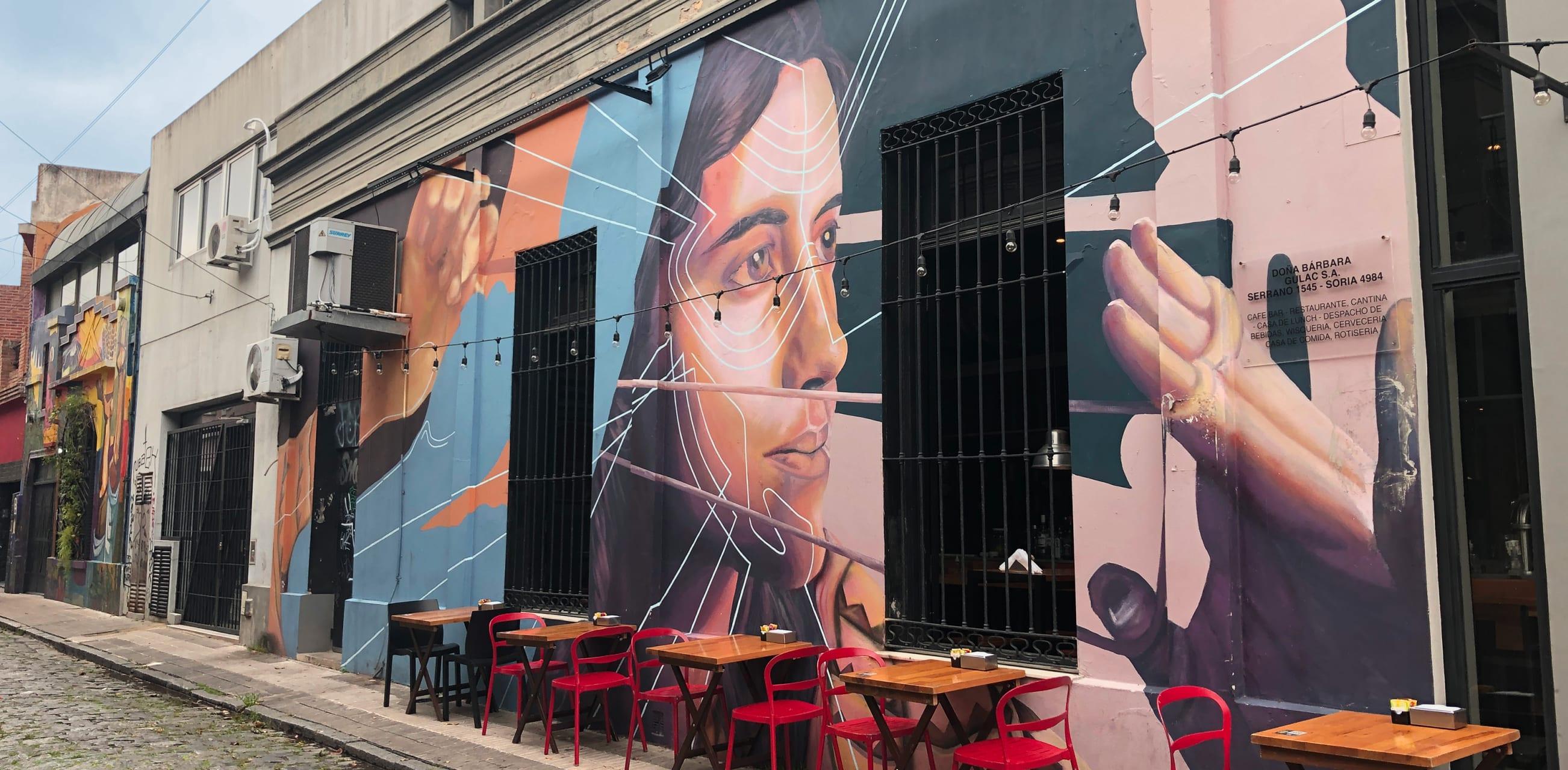 Buenos Aires - (TOUR IN SPANISH) Arte Urbano en los Pasajes de Palermo Soho
