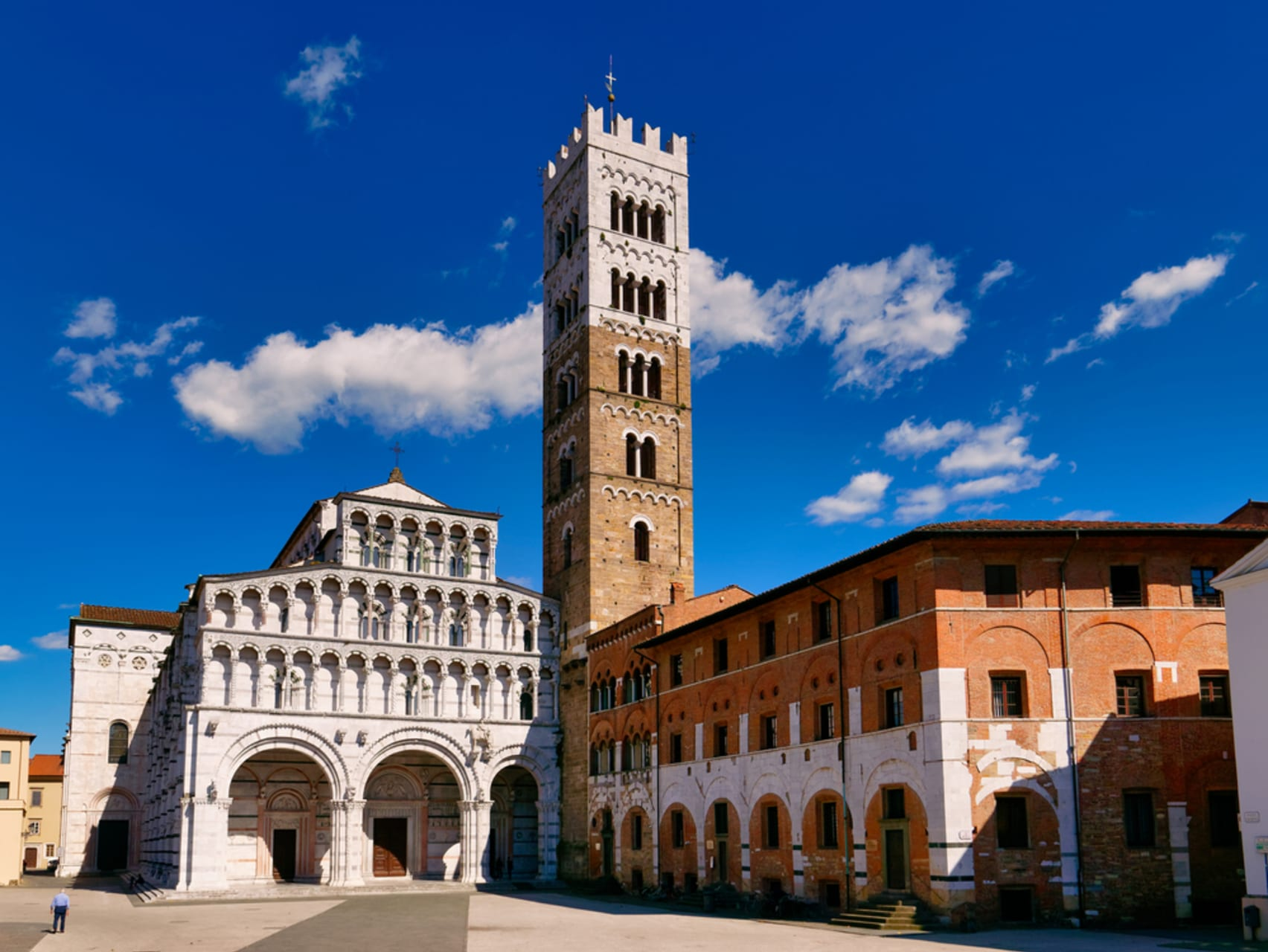 Lucca - Lucca: The Medieval Quarter and The Cathedral