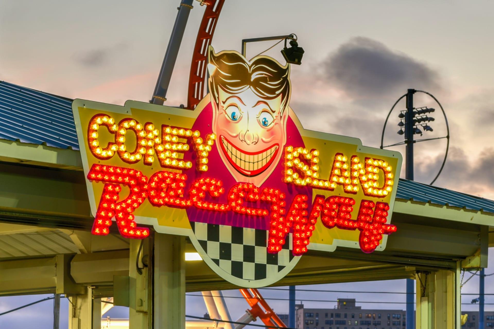 New York - New York at Night: Coney Island