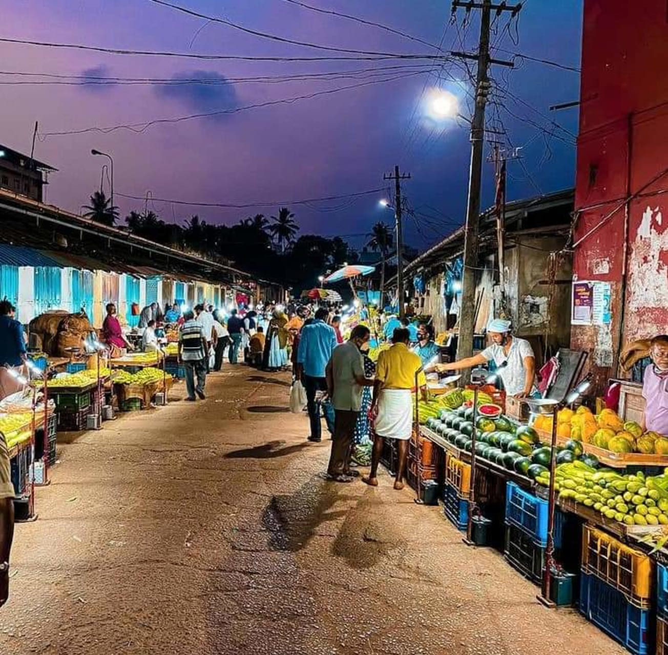Kerala - Walking Tour through Palayam (Old Market of Calicut)