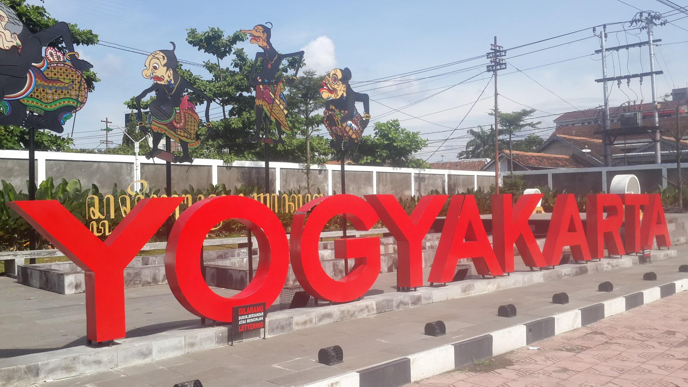 Yogyakarta - Malioboro: Central Market, Colonial Buildings, and Street Foods
