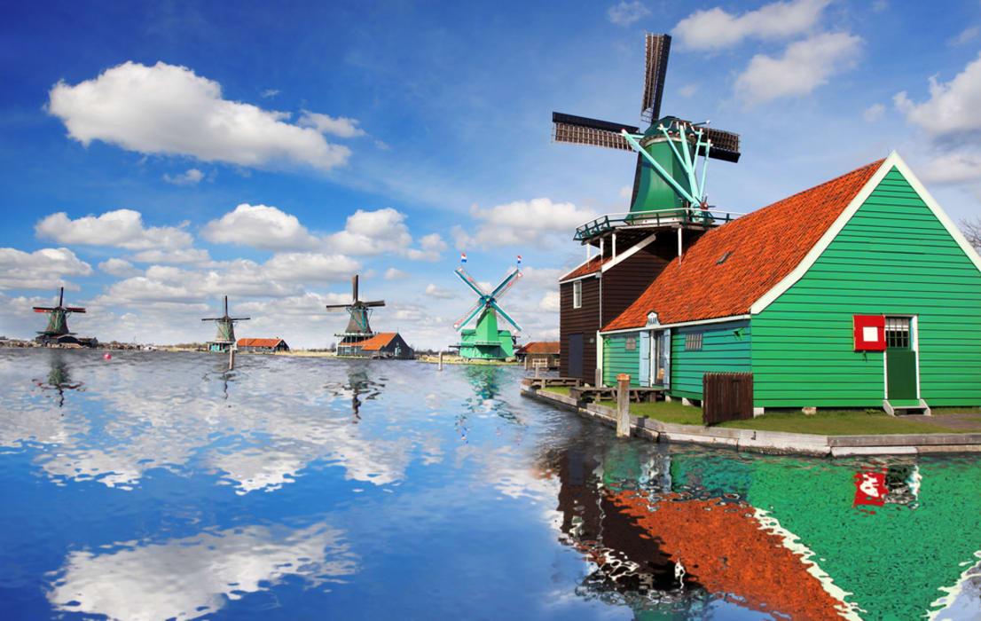 Amsterdam - The Majestic Windmills of Zaanse Schans
