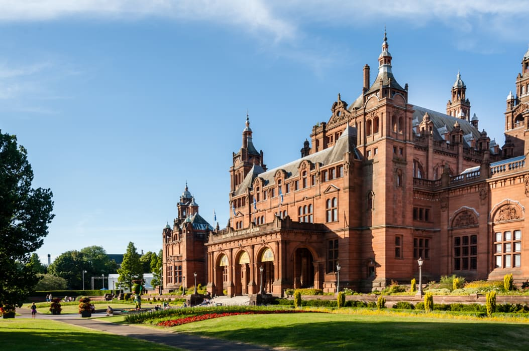 Glasgow - A Stroll around the Kelvingrove Art Gallery and Museum