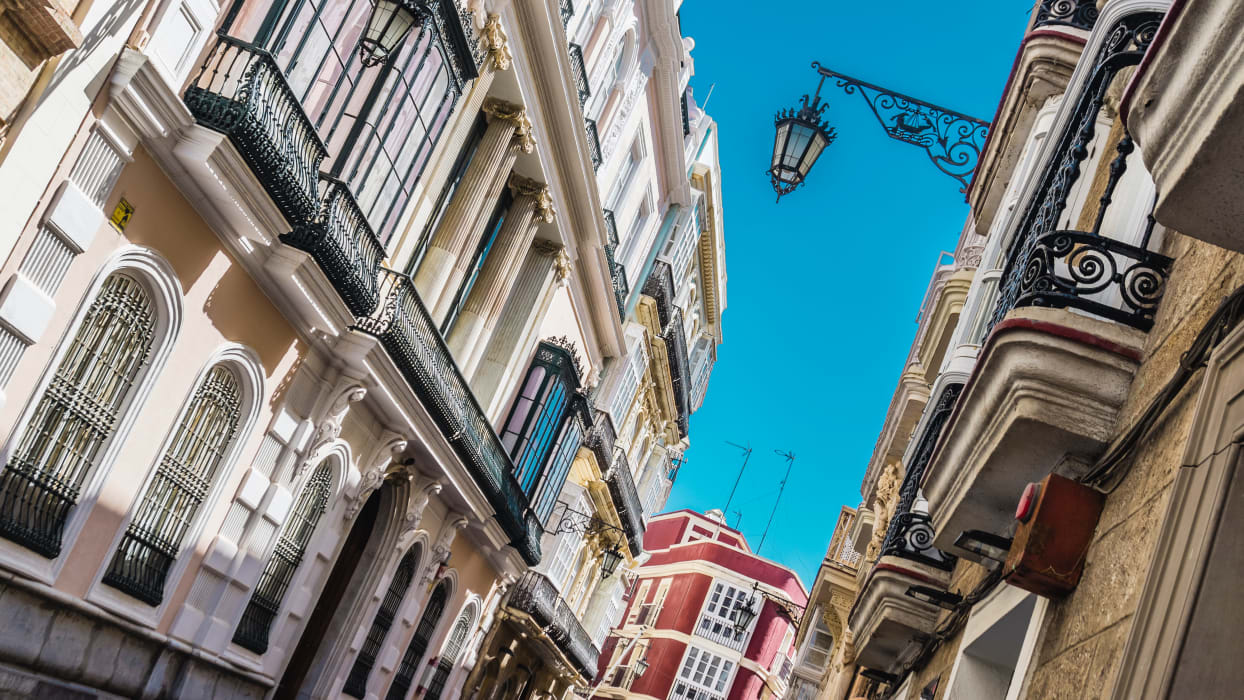 Cádiz - The Magic of the Past: History and Humour in Cadiz.