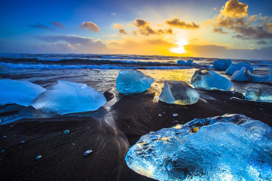 Southeast Iceland - Diamond Beach and Glacier Lagoon