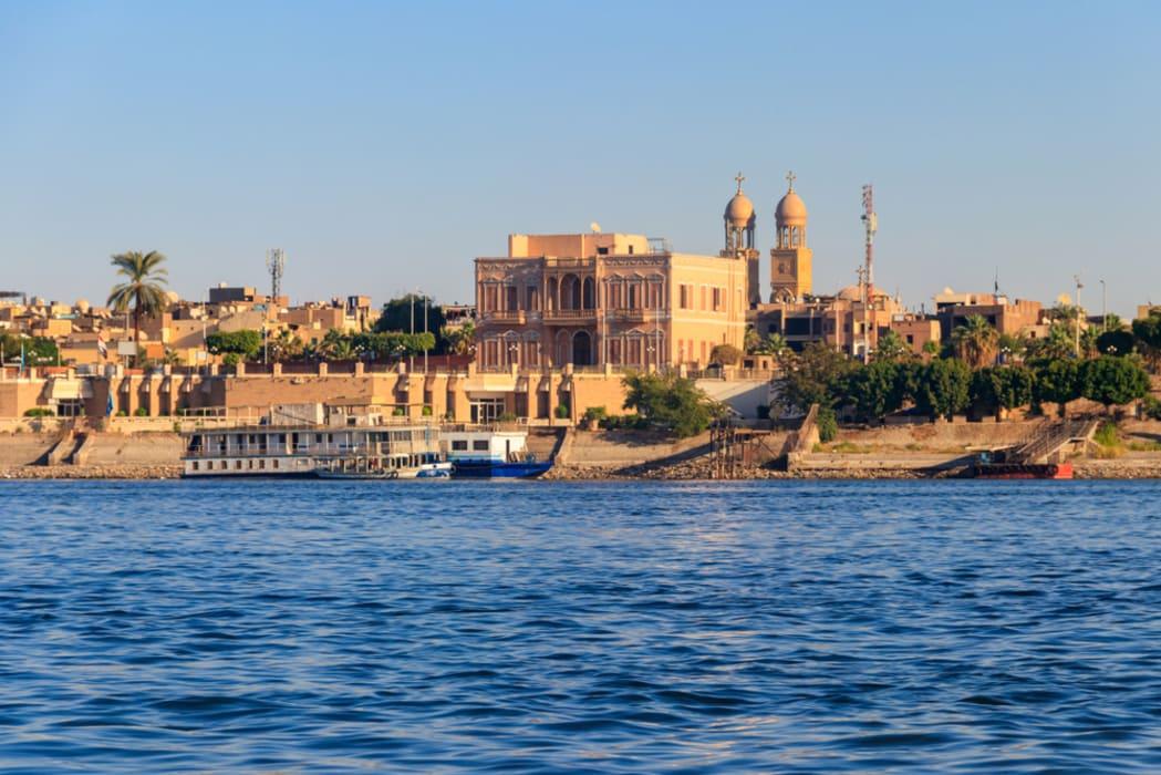 Luxor - Walking the Nile
