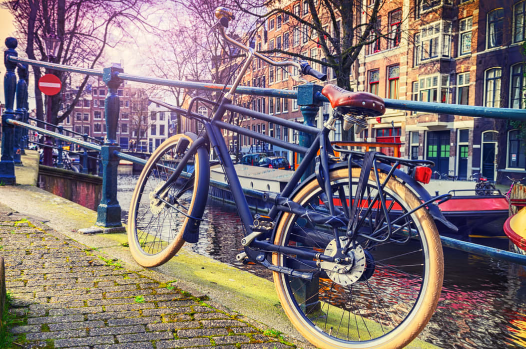 Amsterdam - Hop on my bike and get lost in Amsterdam