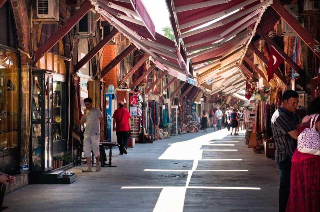 Istanbul - Roman Hippodrome and Arasta Bazaar
