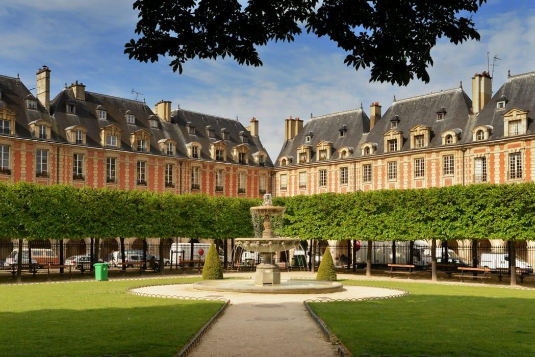 Paris - Le Marais - Rags to Riches