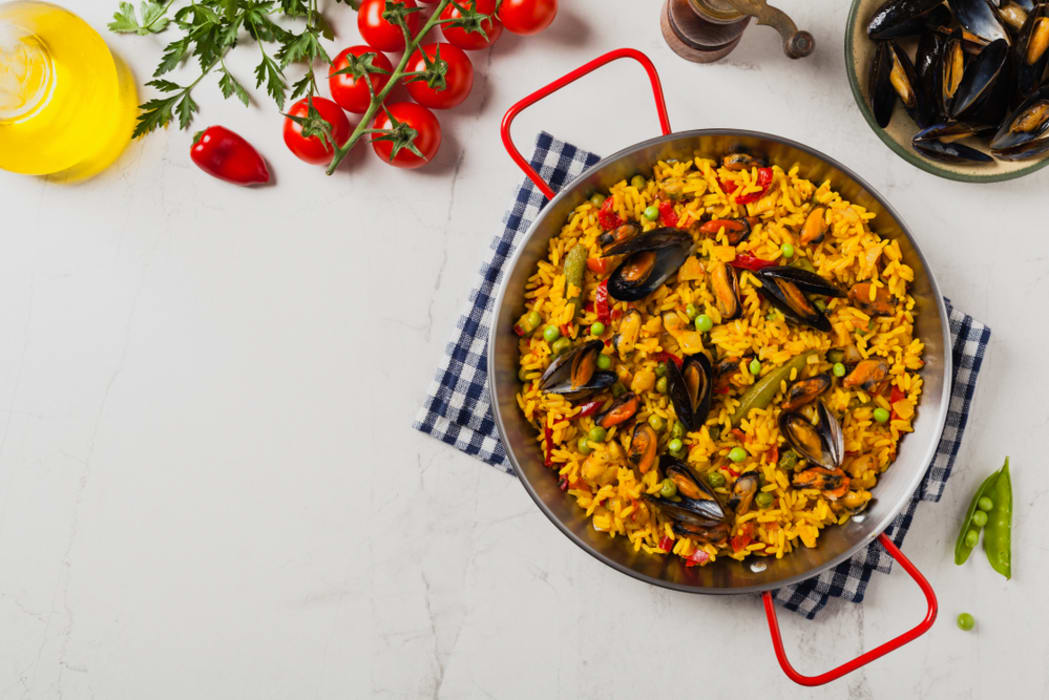 Pamplona - Let's cook some Paella and talk about Spain Today!