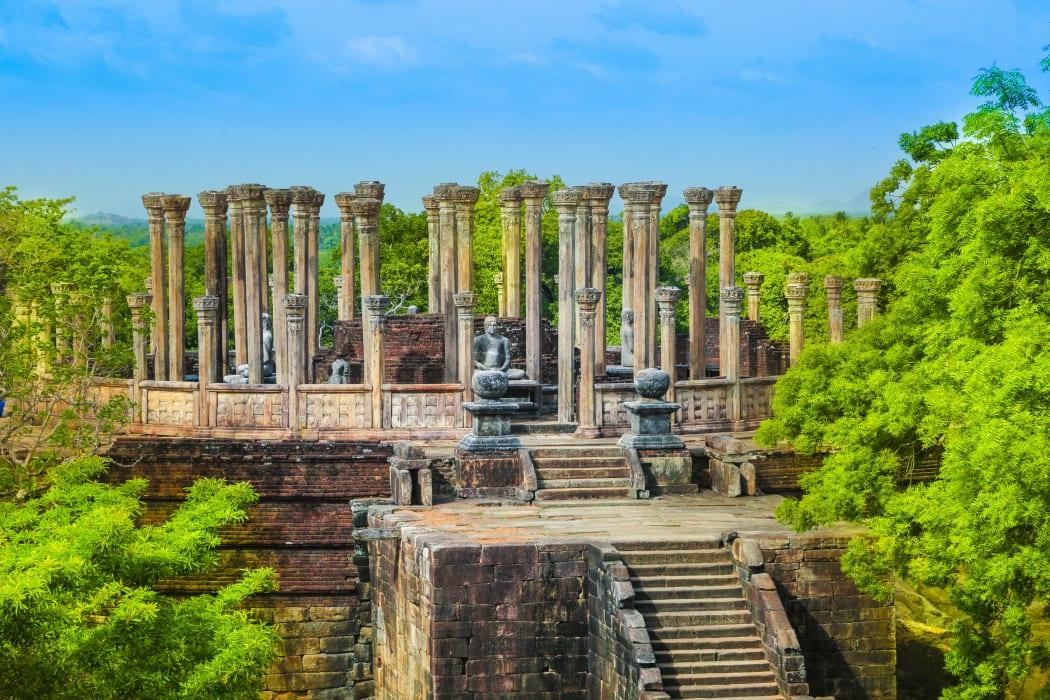 Polonnaruwa - Hidden Beauty of Medieval Capital of Sri Lanka!!!