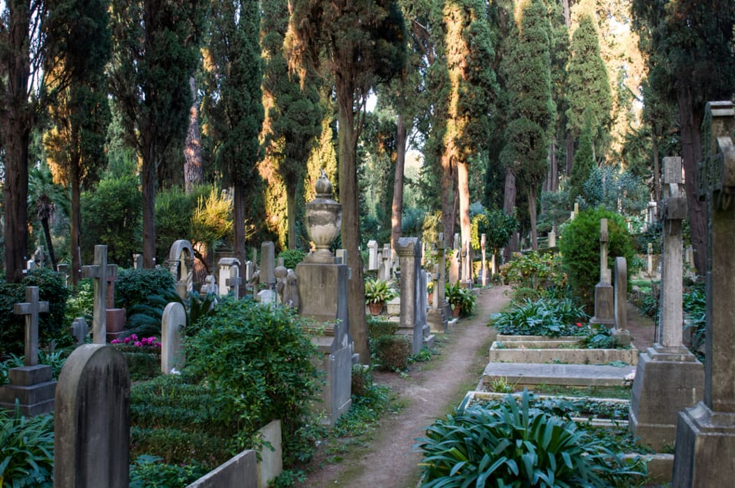 Rome - Keats and Shelley, the Protestant cemetery and the cats of Rome