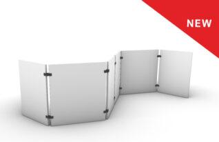 Akoestische scheidingswand met panelen gekoppeld door scharnieren