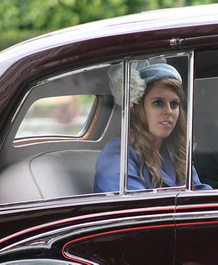 Свадьба принцессы Беатрис состоится в присутствии двух гостей