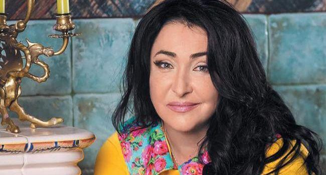 «Ничего романтического в войне нет, это не кино, это не закладка с искусственной кровью, это - война»: Лолита рассказала о своем визите в Донецк и Луганск