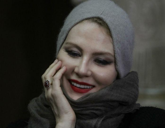 «Пойду в маске и перчатках»: Литвинова будет помогать старикам с покупкой еды