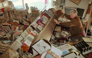 Earthquake-Preparation-Bookshelf
