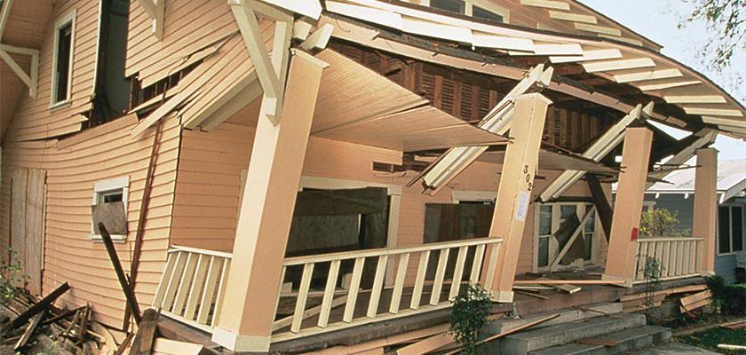earthquake damaged home nzthmn