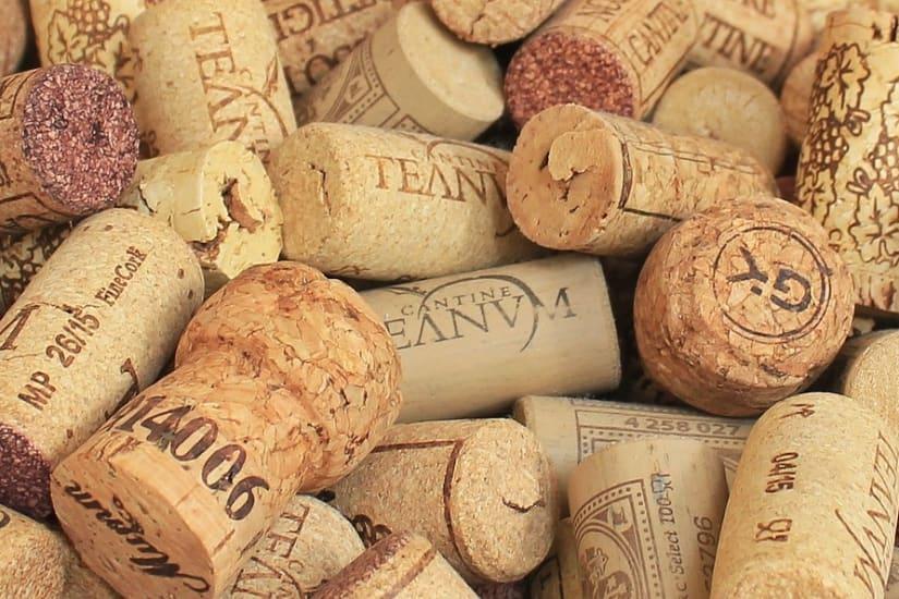 champagne corks showing cork vs screw cap