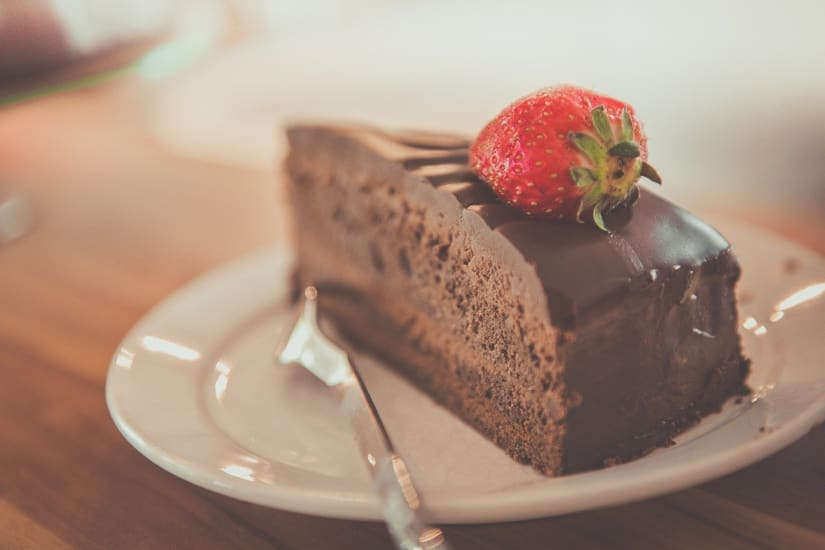Chocolate cake with strawberry as an example of wine and dessert pairings