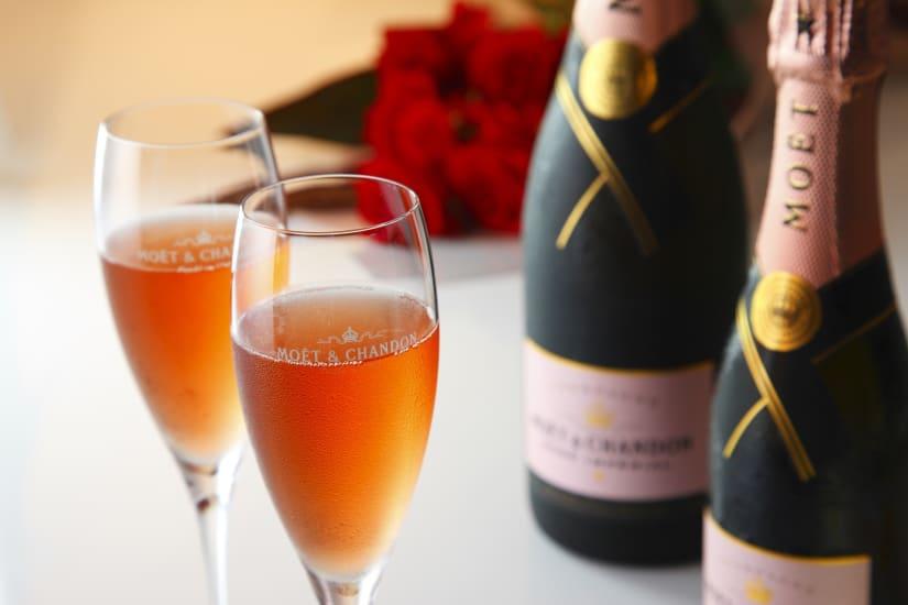 Rosé champagne Valentine's day