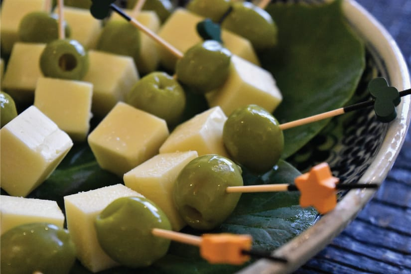 olives and cheese finger food