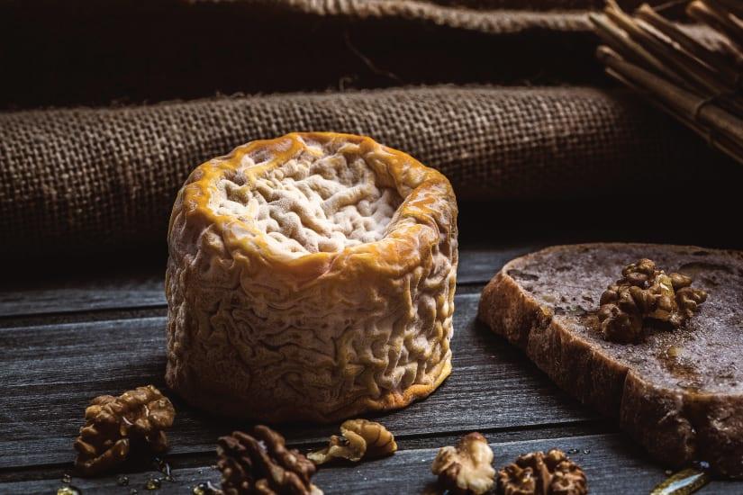 kittost med valnötter och bröd