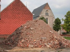 Lara Almarcegui, The Rubble Mountain, Sint Truiden