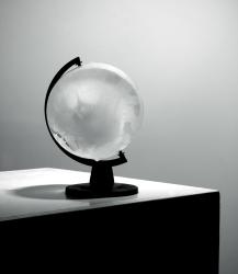 Noor Nuyten, A 0° Globe
