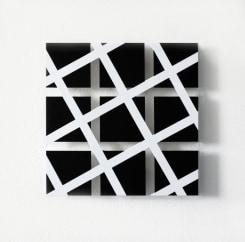 Tonneke Sengers, White lines on black squares
