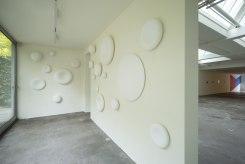 Yumiko Yoneda, Installatie
