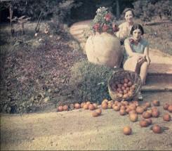 Jacques Henri Lartigue, Bibi and Germaine Chalom, Cannes, France