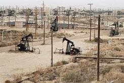 Edward Burtynsky, Oil Fields 3 McKittrick, California